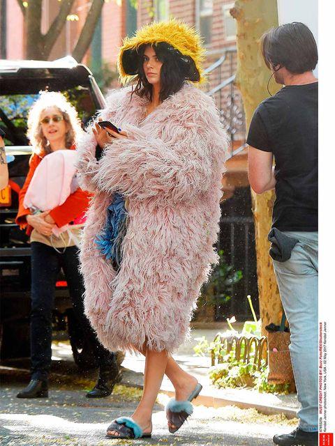 Kim no usa sujetador