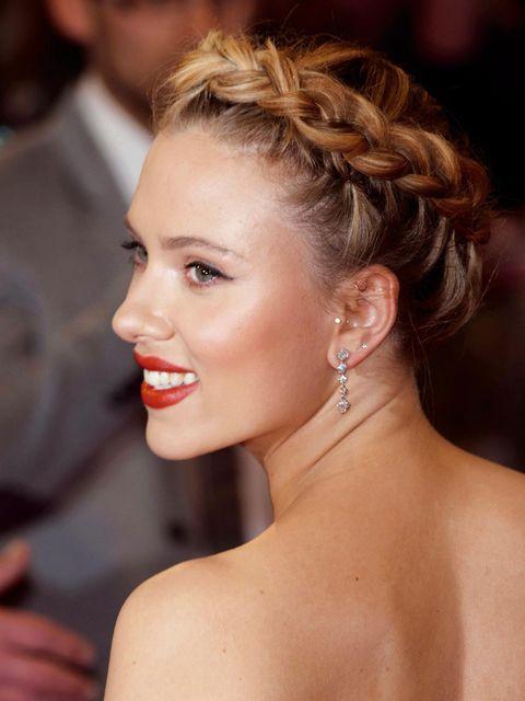 Head, Ear, Lip, Earrings, Hairstyle, Skin, Chin, Forehead, Shoulder, Eyebrow,