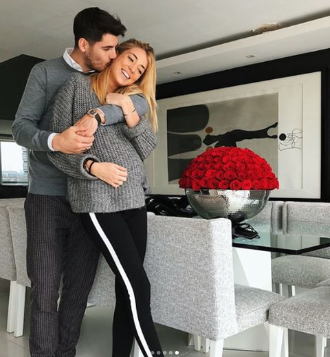 Interior design, Room, Interaction, Interior design, Love, Suit trousers, Hug, Romance, Flower Arranging, Active pants,