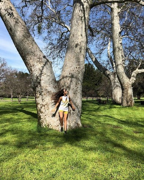 Branch, Tree, People in nature, Woody plant, Trunk, Spring, Waist, Lawn, Long hair, Park,