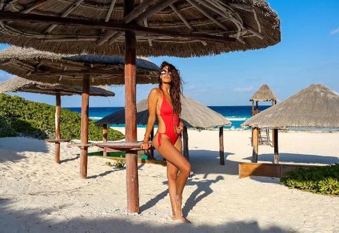 Vacation, Bikini, Fun, Summer, Beach, Swimwear, Leisure, Travel, Caribbean, Tourism,