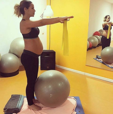 Physical fitness, Swiss ball, Ball, Shoulder, Exercise equipment, Pilates, Arm, Exercise, Leg, Fitness professional,