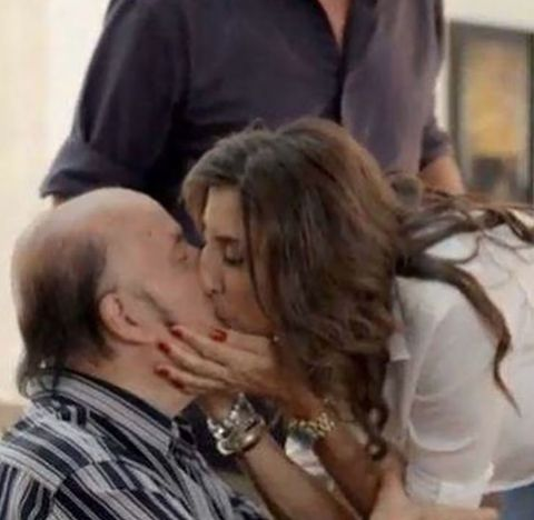 Hair, Interaction, Forehead, Kiss, Romance, Love, Cheek, Mouth, Lip, Human,