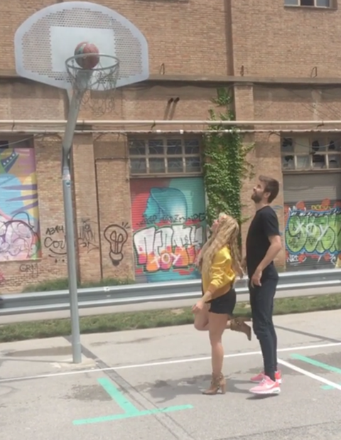 Snapshot, Art, Mural, Pedestrian, Tree, Sidewalk, Architecture, Street, Photography, City,