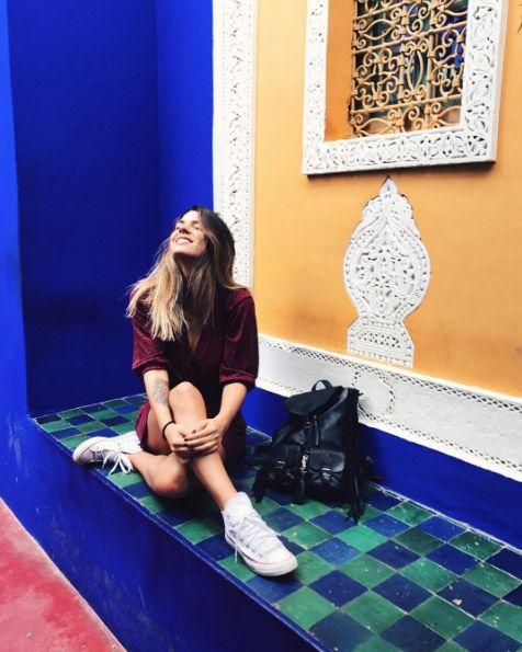 Blue, Majorelle blue, Cobalt blue, Sitting, Leg, Leisure, Electric blue, Flooring, Room, Knee,