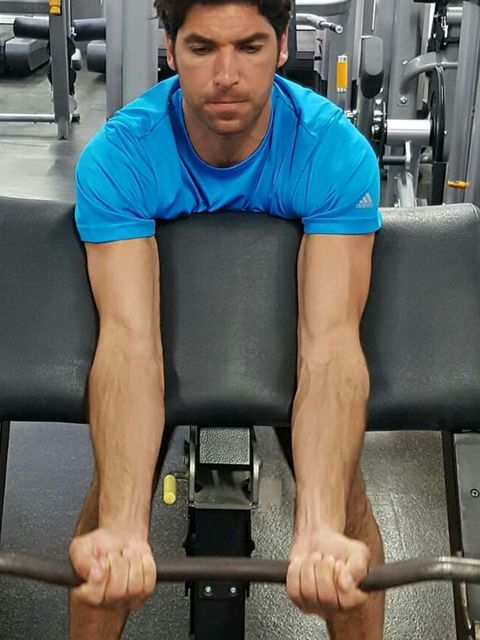 Shoulder, Arm, Weight training, Chin, Muscle, Fitness professional, Standing, Chest, Physical fitness, Human leg,