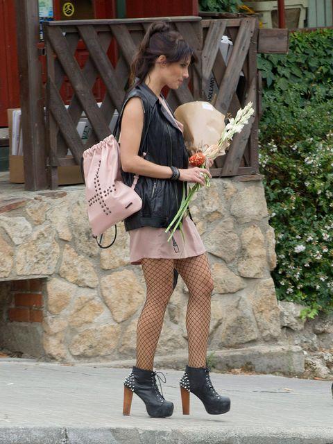 Street fashion, Bag, Fashion accessory, Fashion, Dress, Beige, Boot, Love, Ankle, High heels,