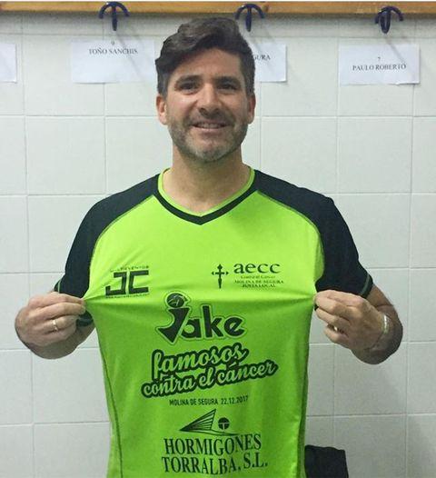 Finger, Green, Sleeve, Jersey, Sportswear, Hand, T-shirt, Logo, Muscle, Sports jersey,