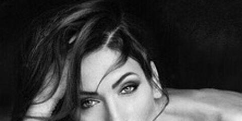 Hair, Lip, Hairstyle, Eyebrow, Beauty, Eyelash, Iris, Chest, Black hair, Model,