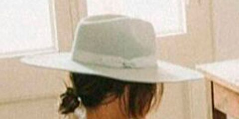 Brown, Human leg, Photograph, White, Hat, Fashion accessory, Headgear, Black, Tan, Thigh,