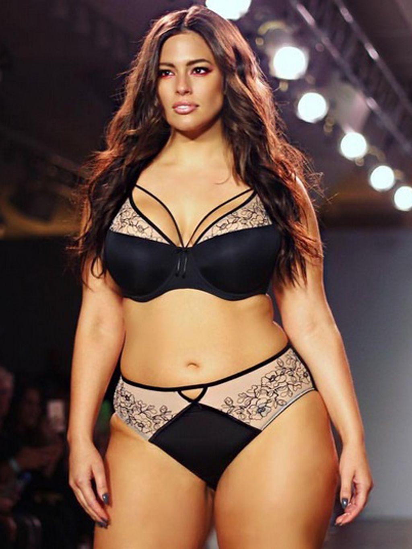 f35e01ba12 Kylie Jenner se  desnuda  a lo Kim Kardashian