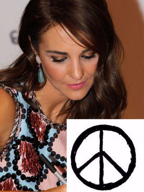 Lip, Hairstyle, Eyebrow, Eyelash, Earrings, Black hair, Beauty, Jewellery, Eye liner, Long hair,
