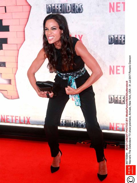 Clothing, Red carpet, Carpet, Premiere, Flooring, Footwear, Leg, Photography, Brown hair, Long hair,