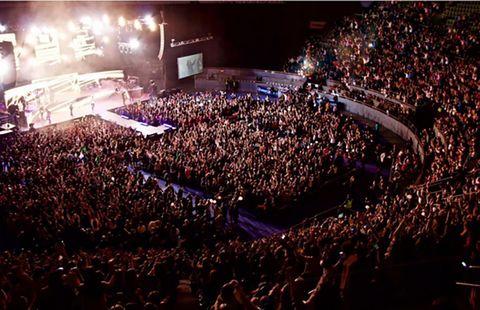 Crowd, People, Audience, Fan, Stage, Public event, Concert, Convention, Rock concert, Auditorium,
