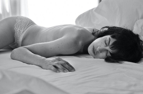 White, Black, Photograph, Black-and-white, Monochrome photography, Beauty, Skin, Arm, Photography, Comfort,