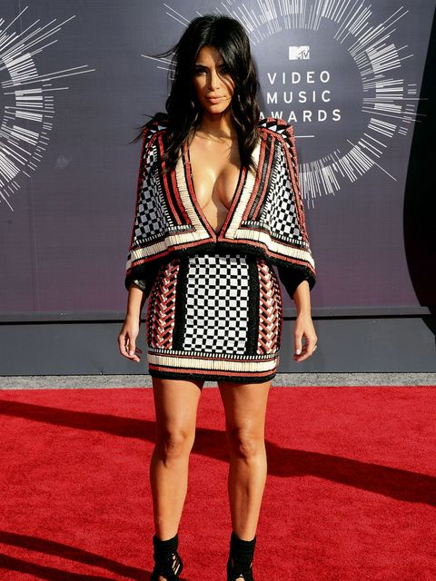 Clothing, Flooring, Shoulder, Dress, Red, Carpet, Style, Fashion model, Fashion, Premiere,