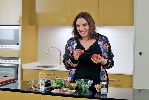 Major appliance, Oven, Drink, Home appliance, Kitchen appliance, Kitchen, Tableware, Countertop, Kitchen stove, Bottle,