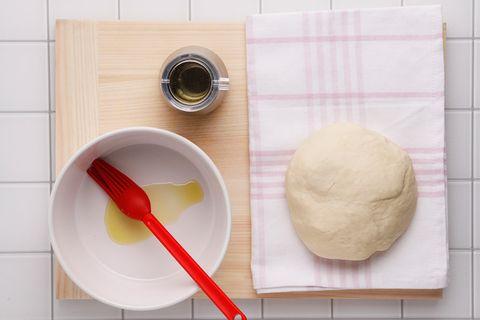 Dishware, Kitchen utensil, Ingredient, Cutlery, Beige, Cuisine, Circle, Peach, Dough, Spoon,