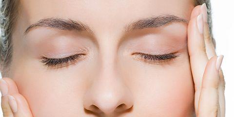 Finger, Lip, Brown, Skin, Forehead, Eyebrow, Eyelash, Nail, Eye shadow, Style,