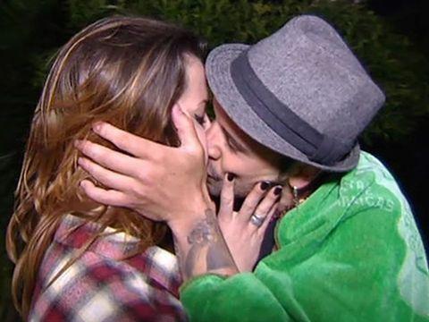Love, Kiss, Interaction, Romance, Friendship, Fun, Gesture, Happy, Cheek kissing, Photography,