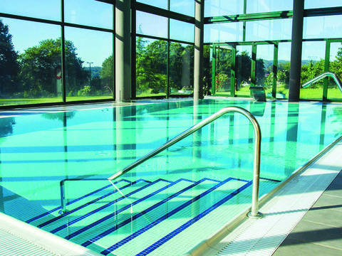 Swimming pool, Leisure centre, Blue, Leisure, Water, Glass, Building, Real estate, Daylighting, Architecture,