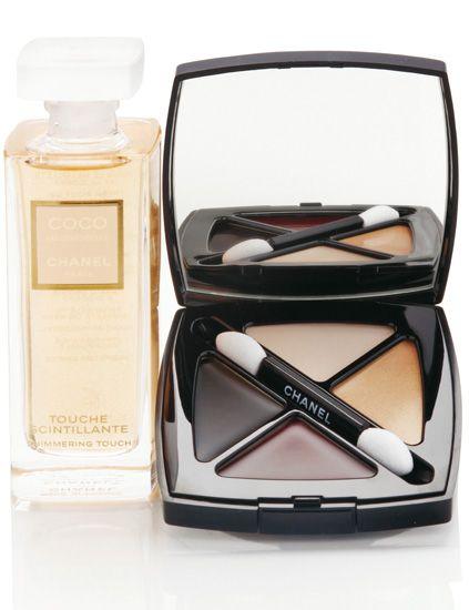 Liquid, Fluid, Perfume, Cosmetics, Bottle, Beige, Office supplies, Box, Glass bottle, Peach,