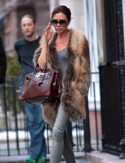 Clothing, Human, Brown, Shoulder, Sunglasses, Textile, Outerwear, Bag, Style, Street fashion,