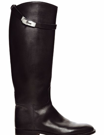 Footwear, Brown, Boot, Riding boot, Shoe, Leather, Liver, Knee-high boot, Costume accessory, Tan,