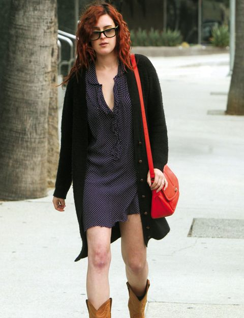 Clothing, Sleeve, Human leg, Shoulder, Dress, Joint, Style, Collar, Street fashion, Pattern,