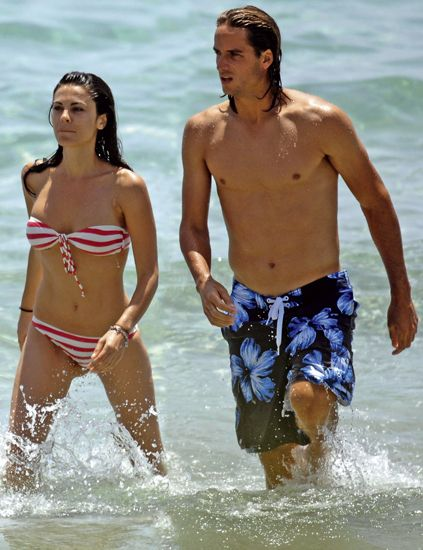 Clothing, Fun, Daytime, People, Brassiere, Water, People on beach, Summer, People in nature, Chest,