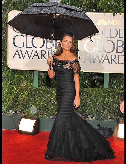 Clothing, Dress, Shoulder, Umbrella, Style, Formal wear, Waist, Fashion, Black, Carpet,