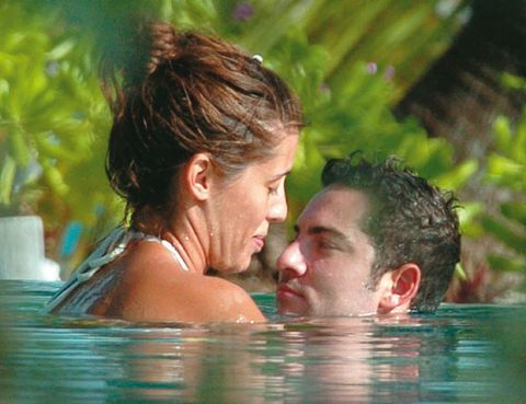 Fun, Fluid, People in nature, Summer, Interaction, Muscle, Love, Romance, Brown hair, Bathing,