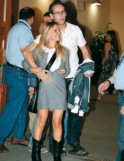 Clothing, Footwear, Leg, Trousers, Jeans, Shirt, Textile, Outerwear, Coat, Denim,