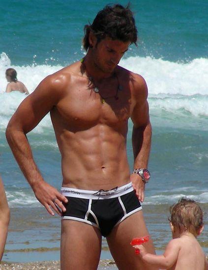 Fun, Human body, Human leg, Water, Hand, Standing, Chest, Barechested, Mammal, Summer,