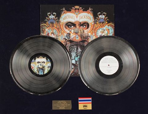 Gramophone record, Technology, Metal, Circle, Space, Data storage device, Album,