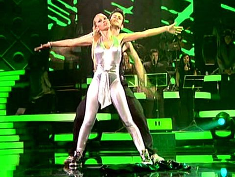 Green, Event, Entertainment, Music, Performing arts, Music artist, Pop music, Stage, Musical instrument, Musician,