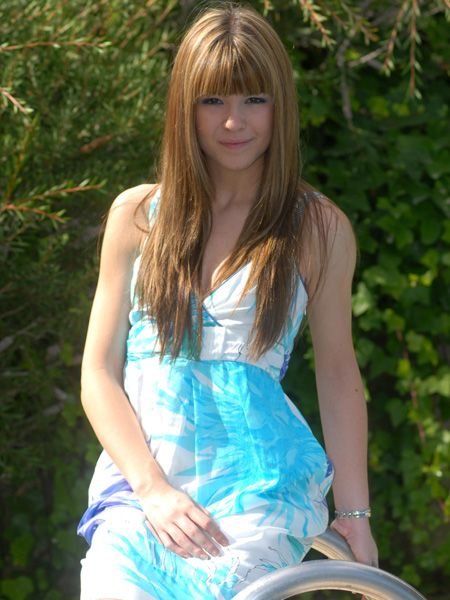 Hairstyle, Green, Dress, Bangs, Style, Summer, People in nature, Beauty, Youth, Long hair,