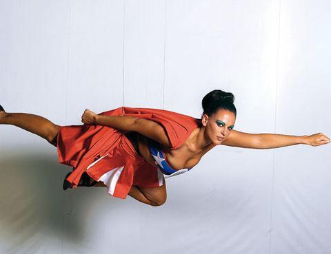 Arm, Leg, Human leg, Shoulder, Elbow, Wrist, Standing, Joint, Waist, Sportswear,