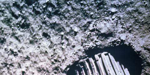 f79114e5 Entre la bota de Neil Armstrong y los primeros vestigios de calzado han  pasado 10 969 años, los 9000 a.C. que pasaron hasta que se encontraron los  primeros ...