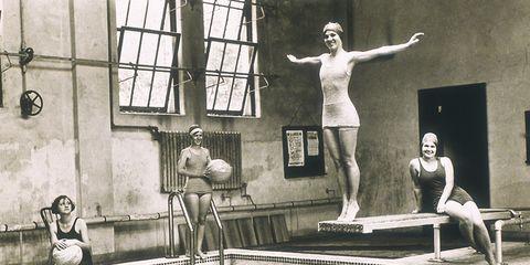 6adbcf536 Fue en 1840 cuando surgieron los primeros shorts de baño para hombres