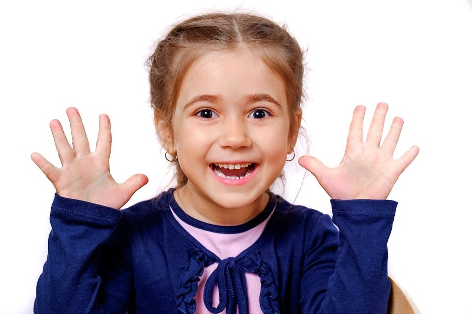 ¿Es bueno que los niños cuenten con los dedos?