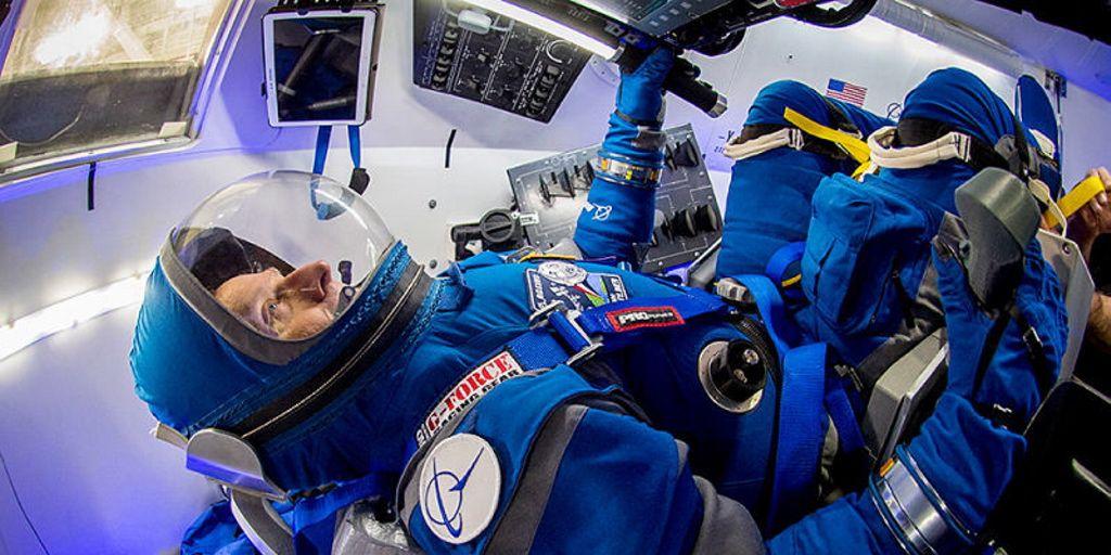 Estos son los nuevos trajes de los astronautas de la NASA