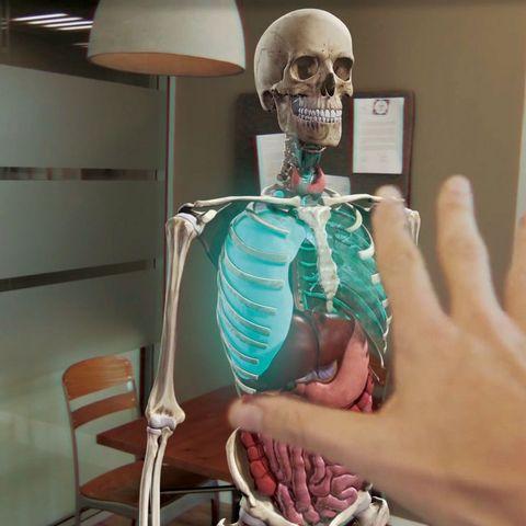 Así se hacen las autopsias con realidad virtual