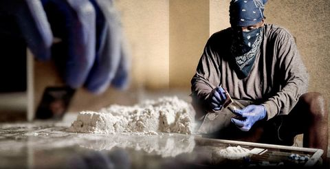 Safety glove, Service, Flour, Powder, Glove, Bread flour, All-purpose flour, Whole-wheat flour, Tool, Beanie,
