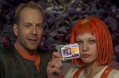 El quinto elemento (1997) Bruce Willis y Milla Jovovich