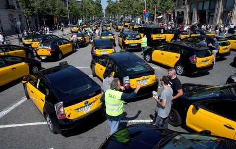Vehicle, Motor vehicle, Taxi, Car, Yellow, Mode of transport, Traffic, Transport, Thoroughfare, Road,