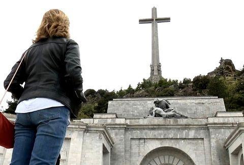 Tourism, Cross, Sky, Tree, Photography, Monument, Vacation, Memorial, Symbol, Travel,