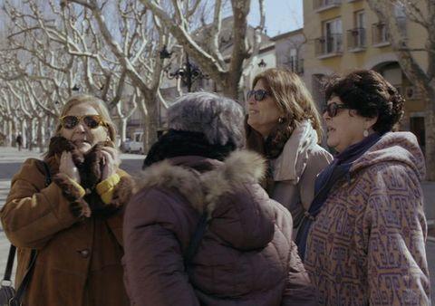 People, Fur, Snapshot, Human, Adaptation, Fur clothing, Photography, Tourism,