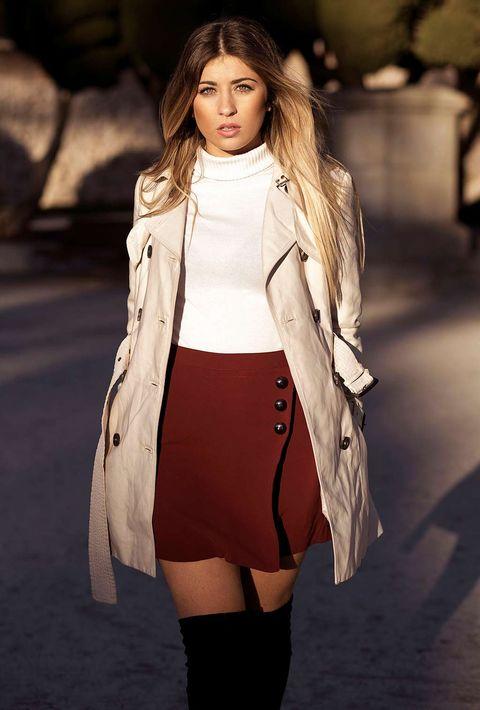Fashion model, Clothing, White, Fashion, Street fashion, Beauty, Outerwear, Coat, Model, Shoulder,