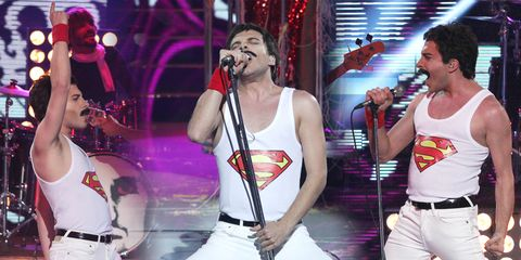 Entertainment, Microphone, Performing arts, Event, Music, Musician, Music artist, Pop music, Performance, Artist,